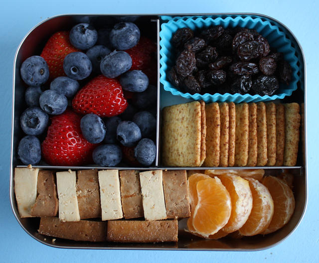 Tofu and Berries LunchBots Bento